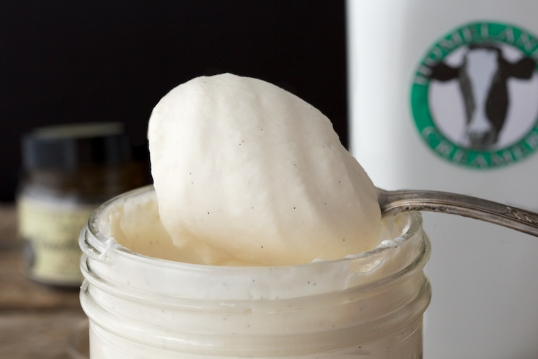How to Make Whipped Cream in a Mason Jar
