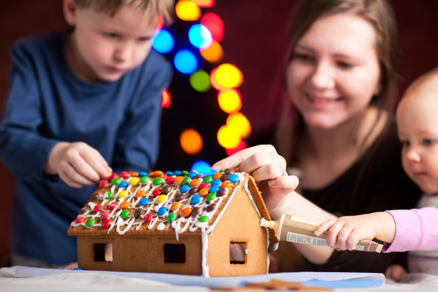 How to Create Holiday Family Traditions