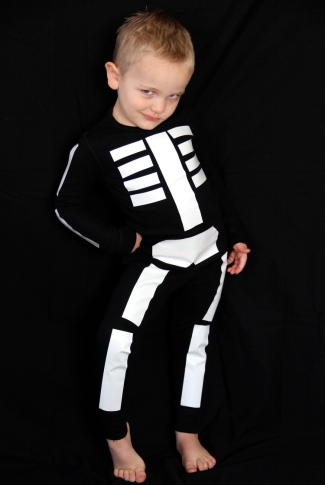 glow-in-the-dark-skeleton-costume.jpg
